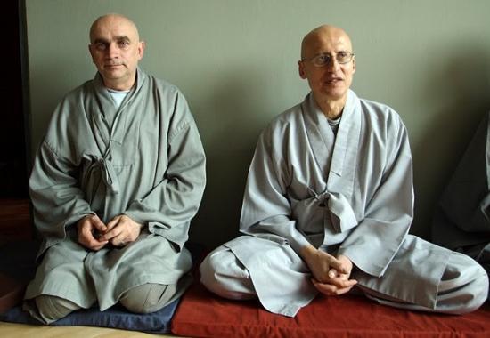 majster dharmy Oleg Šuk a zenový majster Wu Bong Sunim